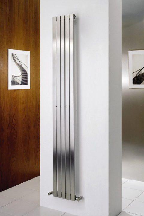 KREMLIN : la verticalité d'un radiateur INOX eau chaude en toute simplicité !